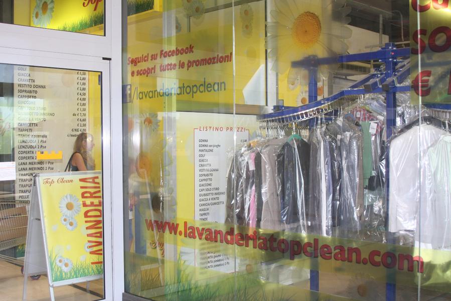 Allestimento Lavanderie e materiale pubblicitario